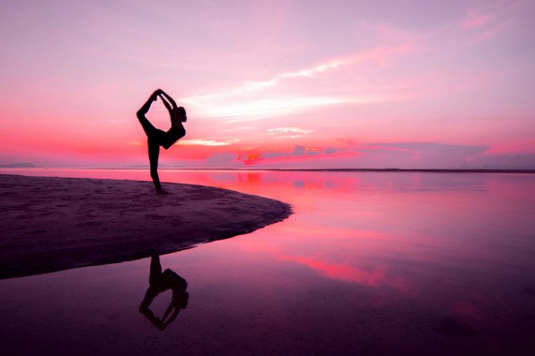 yoga_outside_396c33c8e0_c1